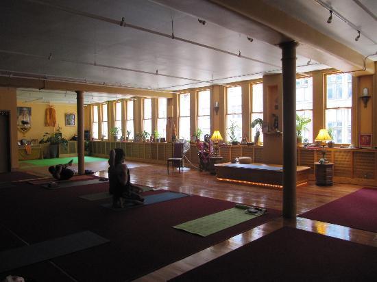 Studio Before Class Started Picture Of Dharma Yoga Center New York City Tripadvisor