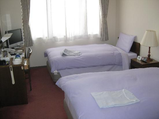 Hotel Folk Loro Tono : Here is the picture of the room we got, a double for two people