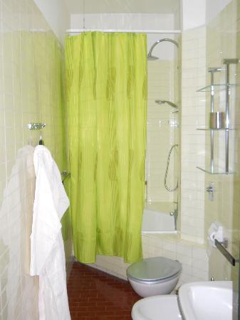 Residence Sole : Bagno dell'appartamento Bosco