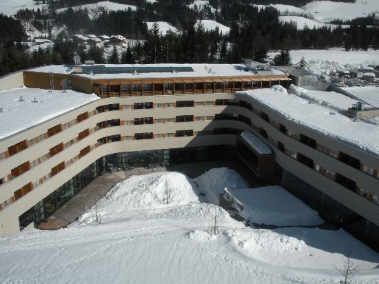 Austria Trend Hotel Alpine Resort Fieberbrunn: Hotel aus Gondelsicht