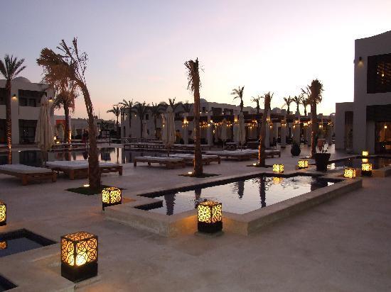 SENTIDO Reef Oasis Senses Resort: Senses at dusk