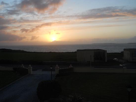 Seashore B&B: sunset view from room