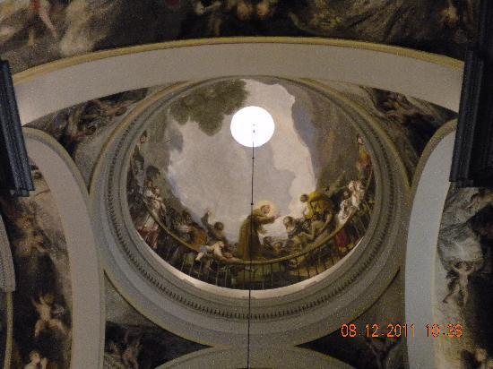 Parroquias de San Antonio de la Florida y San Pio X : Affreschi della cupola