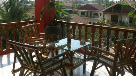Sidewalk Never Die Hotel Siem Reap: balcony