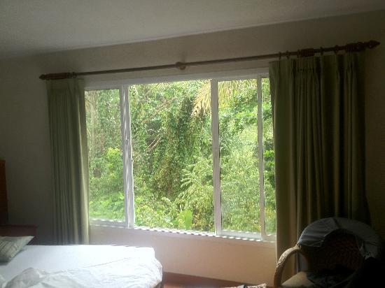 Chaweng Tara Resort: 2nd floor bach view room