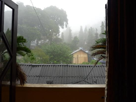 Sapa Global Hotel: rooftop view from room