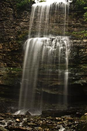 Waterfalls of Hamilton: Devil's Punchbowl
