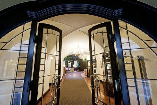 Hotel Konig Von Ungarn: Welcome at Hotel König von Ungarn in Vienna