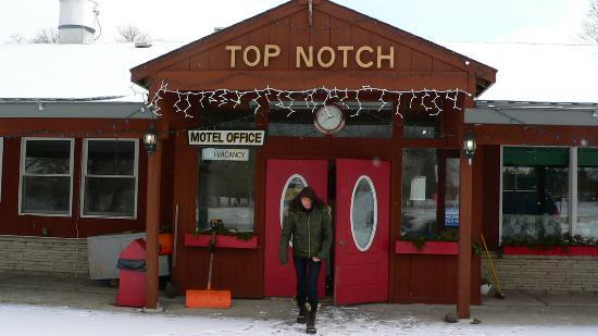 Top Notch Restaurant & Motel: Leaving