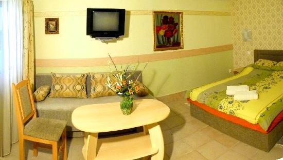 Hotel-Pension Residenz am Plattensee: Doppelzimmer in Gartenvilla
