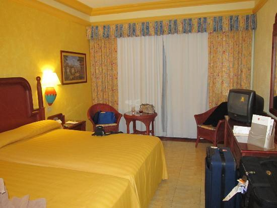 ClubHotel RIU Jalisco: Our room
