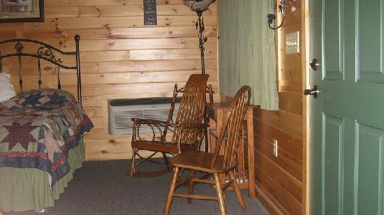 7 C's Lodging: Comfy area to sit
