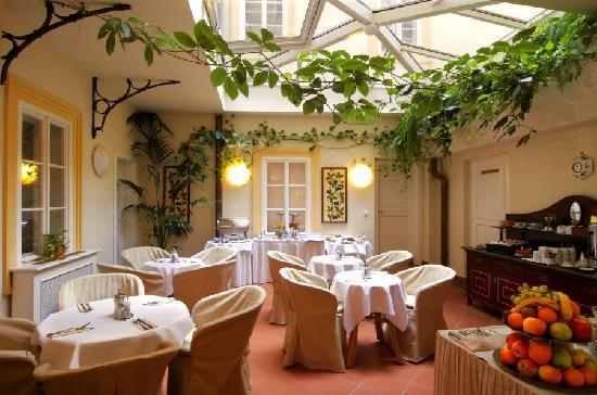 Boutique Hotel Constans: winter garden