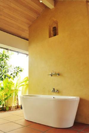 Jetwing Lagoon: Bathroom