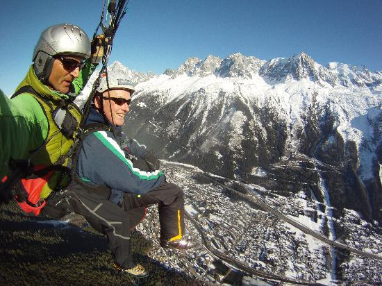Fly Chamonix - Tandem Paragliding: Flying with Sean Potts