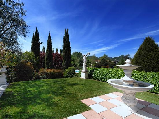 Hotel Des Bains Terme: Terrazza - Parco
