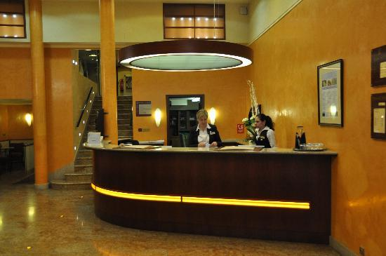 Adria Hotel Prague: Entrance of Hotel Adria