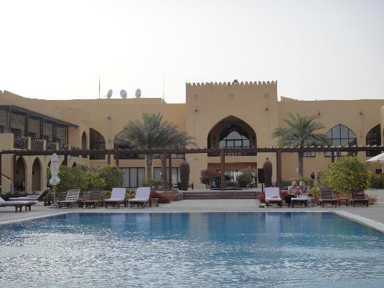 Tilal Liwa Hotel: Hotel from desert