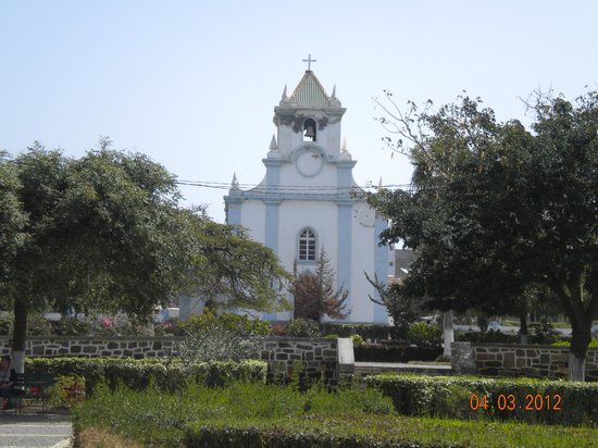 Tarrafal, Kapp Verde: church on central square