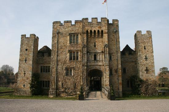 Tours of the Realm: Hever Castle