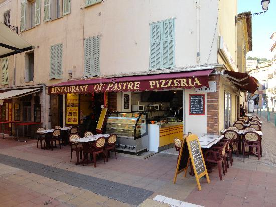 Restaurant Ou Pastre : Façade rue piétonne