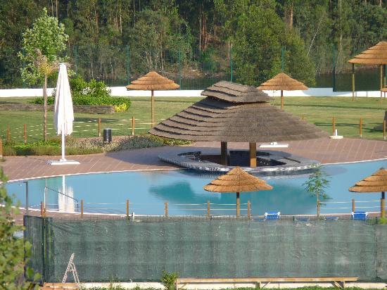 Montebelo Aguieira Lake Resort & Spa: A magnífica piscina...
