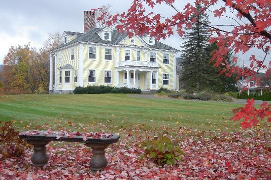 Governor's House in Hyde Park: View the spectacular  fall foliage from the Governor's House