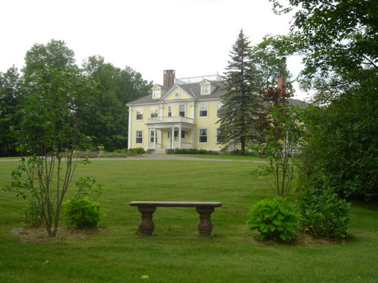 Governor's House in Hyde Park: Peaceful grounds to explore at the Governor's House