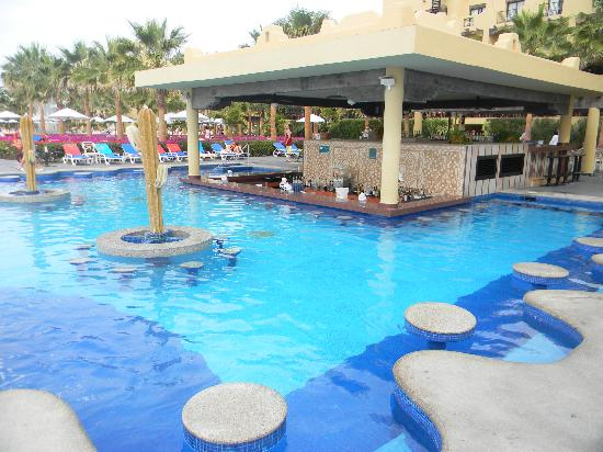 One Of The Pool Bars Picture Of Hotel Riu Santa Fe Cabo