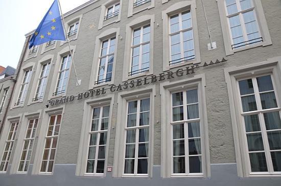 Grand Hotel Casselbergh Bruges: exterior side