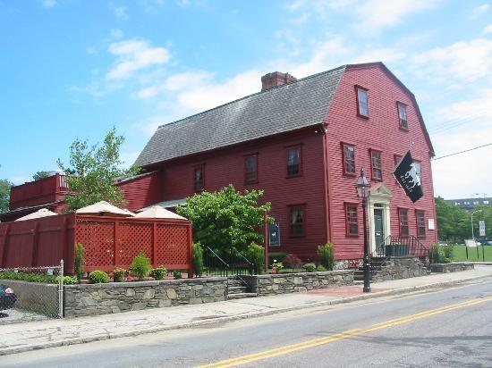 The White Horse Tavern: America's Oldest Tavern