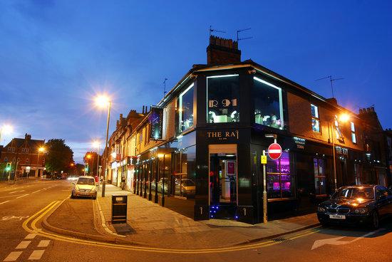 Kettering, UK: restaurant front