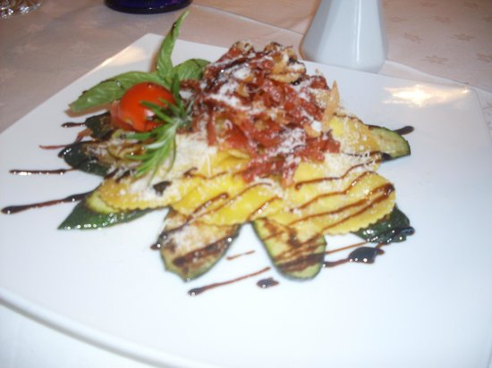 Pfoshof: Einer ihrer schönen Teller