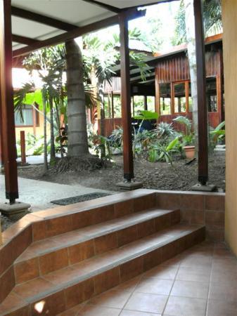 Hotel Rincon de San Jose: Patio