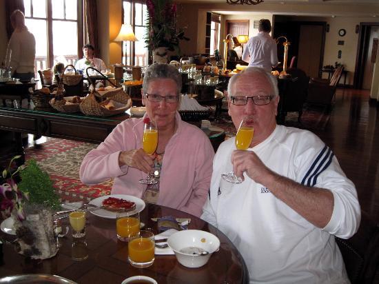 The Ritz-Carlton, Bachelor Gulch: Champagen and orange juice on birthdaymorning