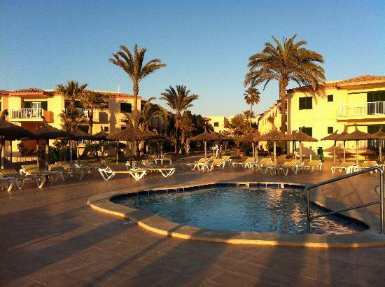 Universal Hotel Don Leon: Hotelgarten