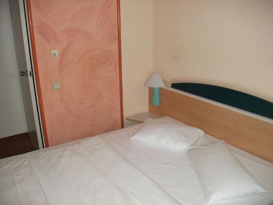 Ibis Hotel Airport Tegel: Bed