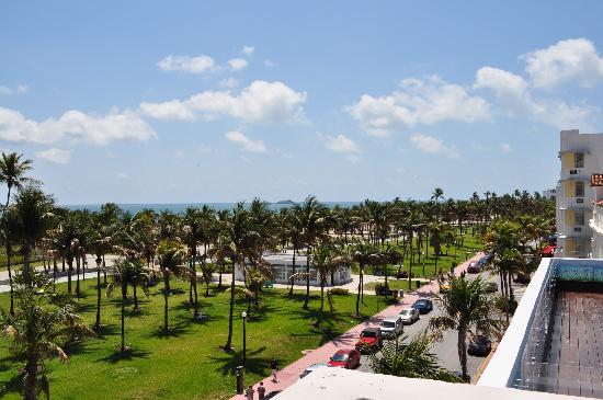 Crescent Resort On South Beach : Vista dalla terrazza