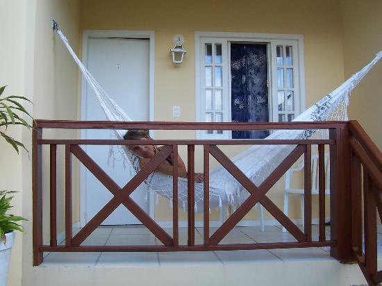 Pousada Porto Girassol: en el balcón