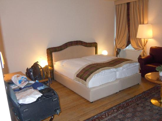 Hotel Bernina 1865: The bed