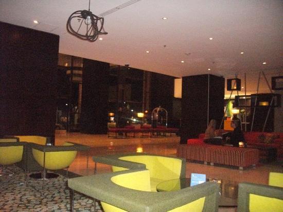 Renaissance Caracas La Castellana Hotel: Lobby Area