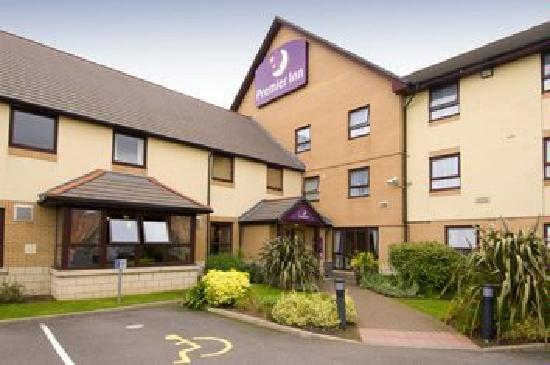 Premier Inn Rugby North (M6 Jct1) Hotel: Entrance To Reception
