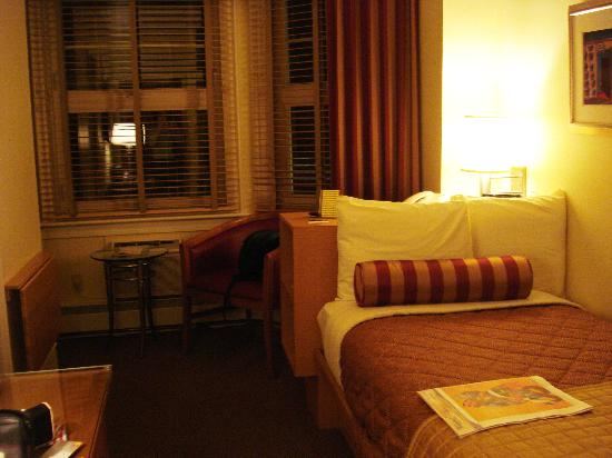 Alexander Inn: Room 202 as you enter
