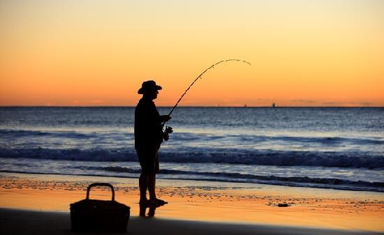Caloundra Waterfront Holiday Park: Fishing at Caloundra