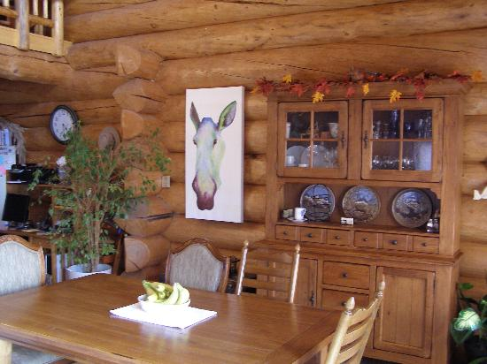 A Moose in the Garden: Breakfast Area
