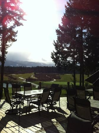 The Pheasant's Nest Restaurant : If there's a better mountain and golf view we want to know where so we can go there too!