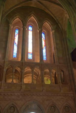 St. John's Anglican Cathedral: Beautiful windows of St. John's Cathedral