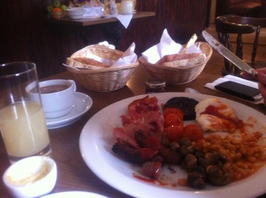 The Red Lion Inn: top notch brekkie included in room