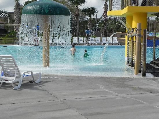 Liki Tiki Village: Picture of the small kids pool