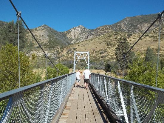 Johnny McNally's Lodge: McNally's Foot Bridge